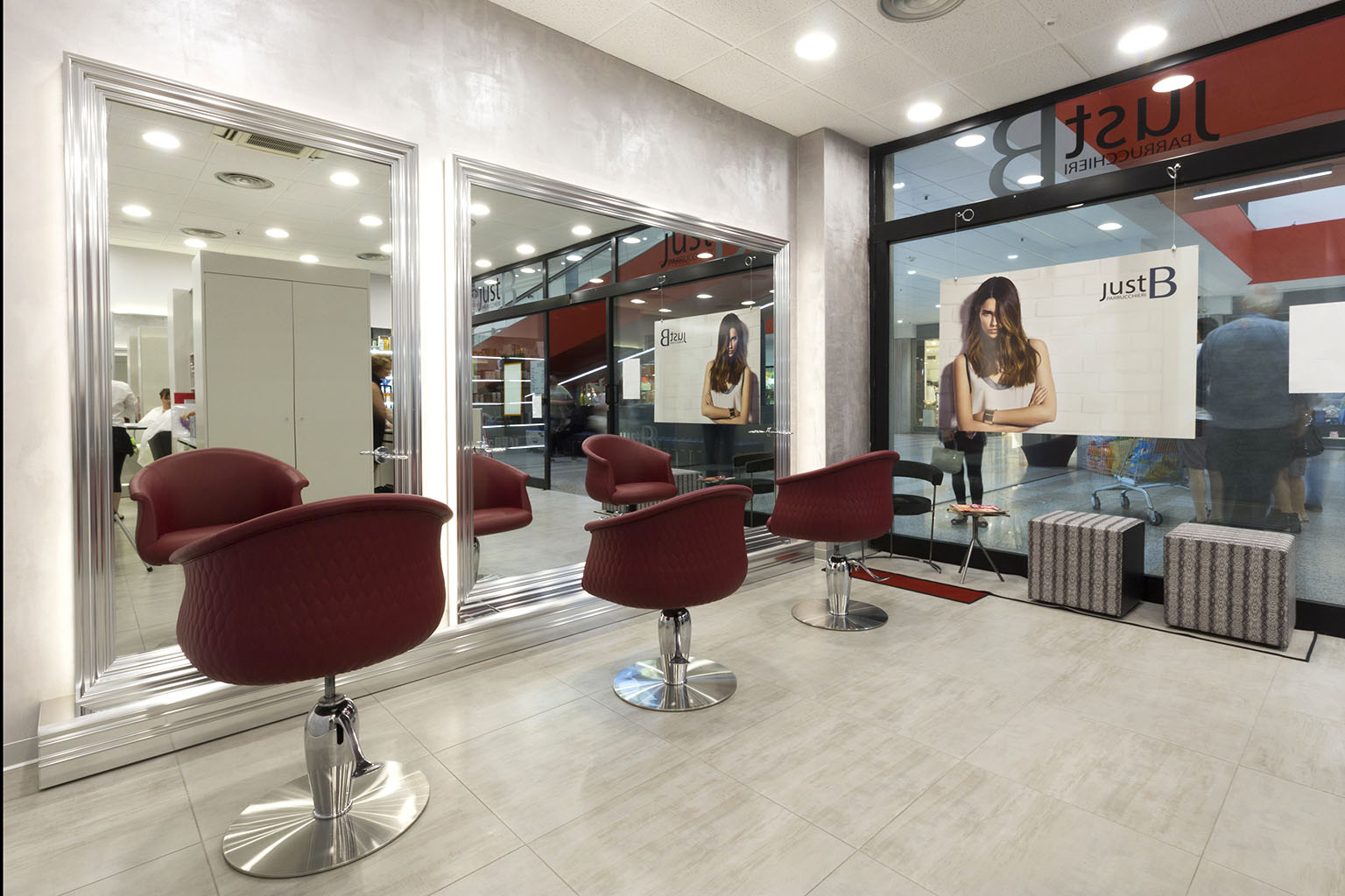 Promozione parrucchiere donna cant centro commerciale for Negozi arredamento cantu